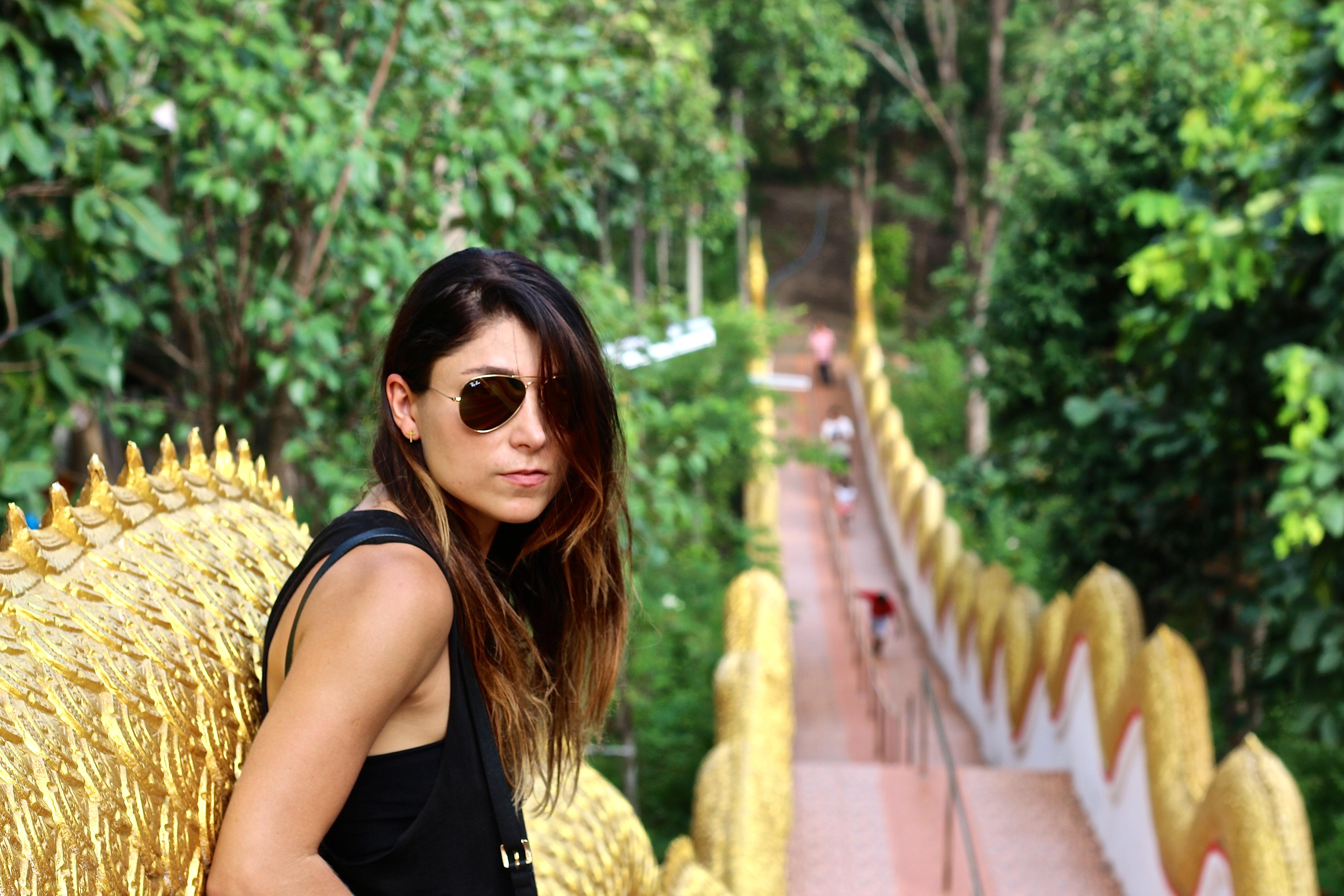 Sou Graziela Vieira, formada no Brasil em Comunicação Social e na Europa estudei Personal Style. Nasci em São Paulo, mas já estou fora do Brasil a mais ou menos 12 anos. Já morei na Espanha, Eslovênia, Chipre, Finlândia, Lituânia, Malásia, ufa...e agora vivo na Tailândia!
